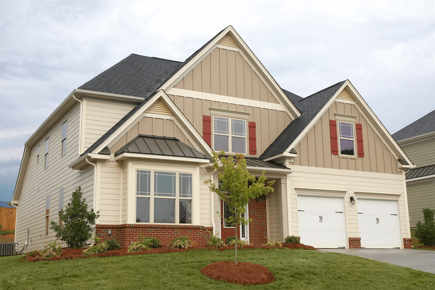 Siding products premier home commercial siding for Siding designs