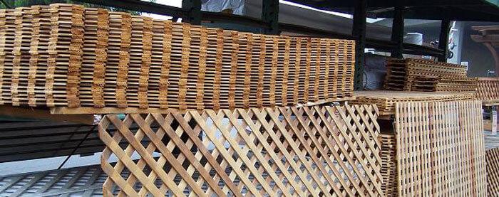 Garden Accents Lattice Panels Picnic Tables Railroad