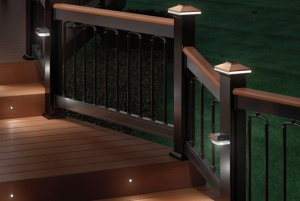 deckorators-decorative-post-and-stair-lights