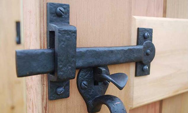 gate-hardware-1