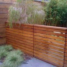 western-red-cedar-horizontal-fence