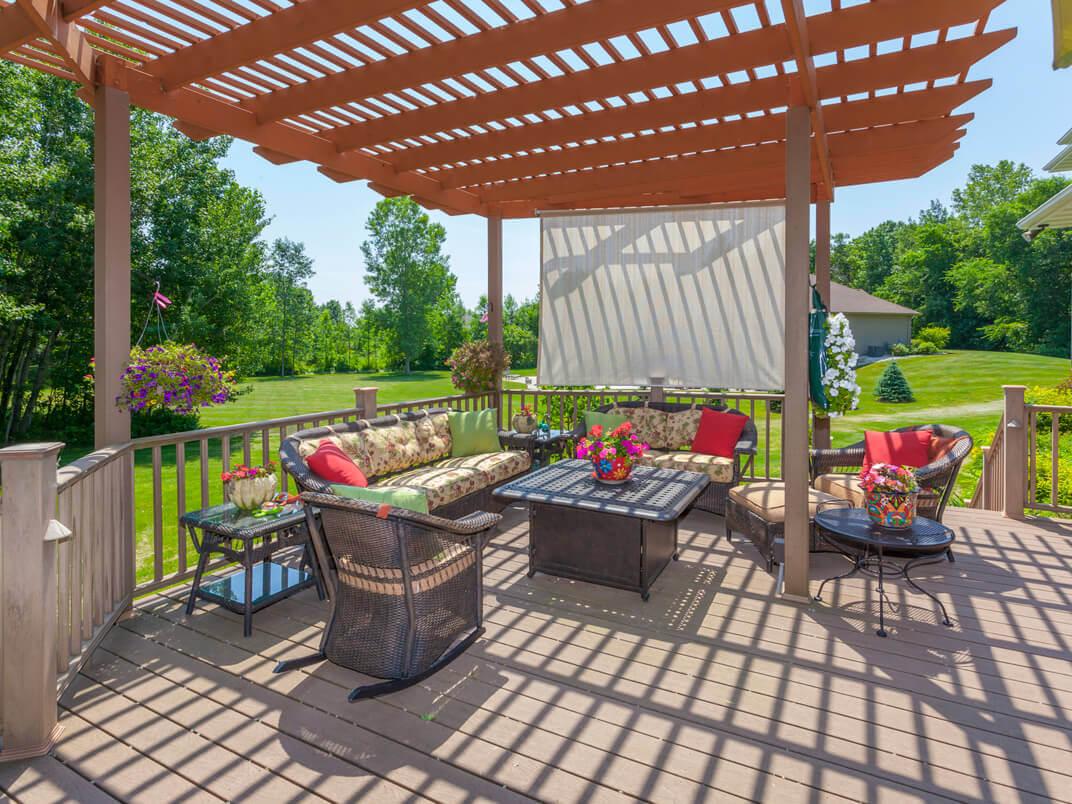 Deck Railing Options and Design