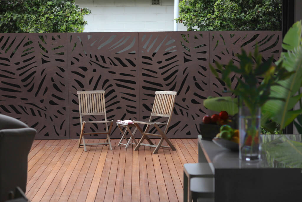 Decorative outdoor privacy screens outdeco modular for Outdoor decorative screens