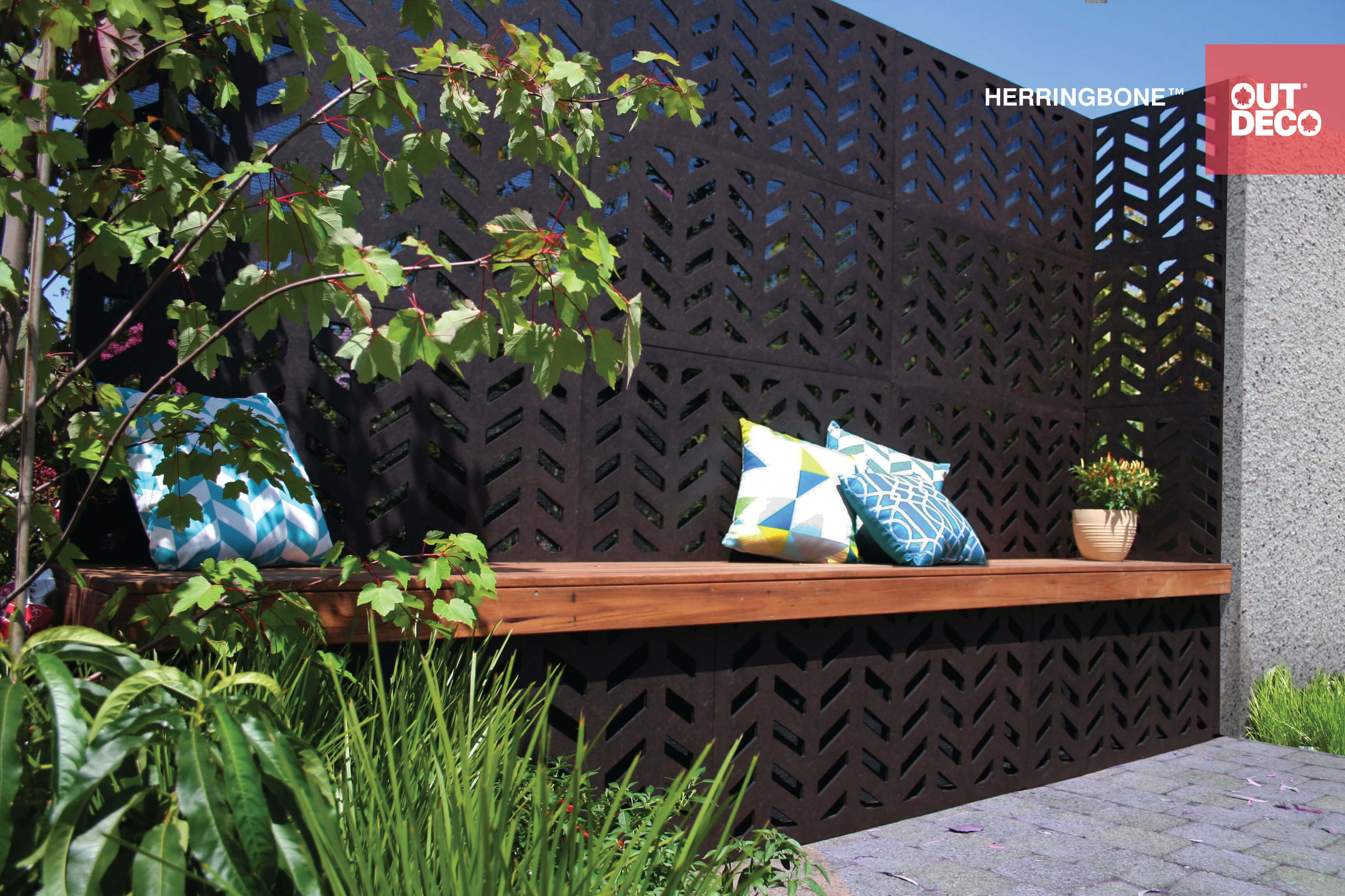Decorative outdoor privacy screens outdeco modular for Outdoor wood screen panels